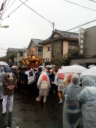 2010mikoshi01.jpg